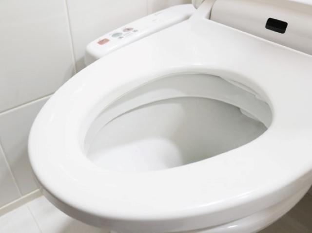 トイレの水漏れを修理したい!その方法と業者に頼むべき修理を確認:イメージ