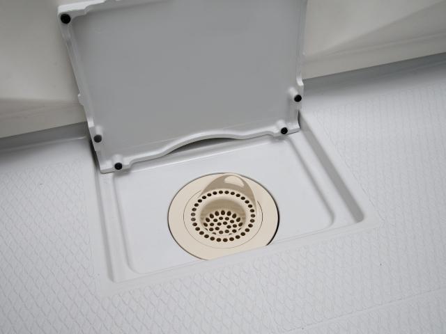 お風呂の排水口のつまりや悪臭は消せる?有効な汚れ解消法や予防アイテムを確認:イメージ