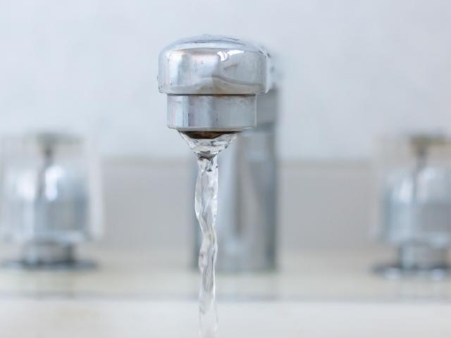 水道を閉めても水が止まらないとき何をすべき?原因やできる対処法も詳しく確認:イメージ